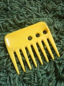 My favorite yellow hair pick
